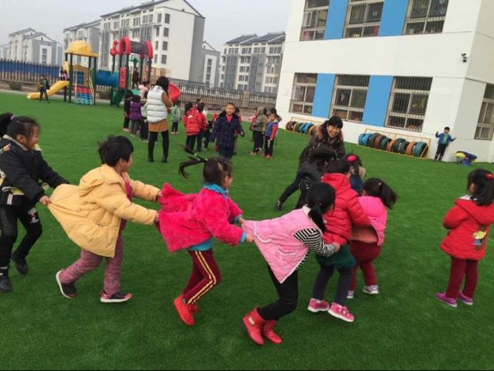 东营区龙居镇中心幼儿园观摩教学开展民间游戏缘定三生游戏攻略图片