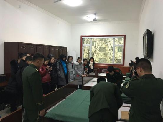 东营市实验中学组织学生走进消防支队参观体验