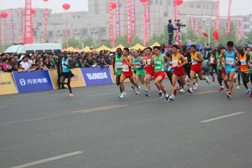 2012黄河口(东营)国际马拉松开赛