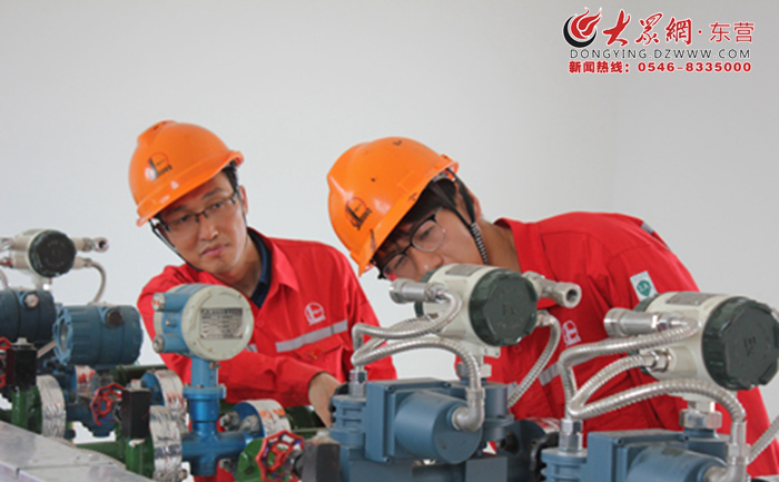 胜利河采油管理八区:积极抢修 恢复生产1.jpg